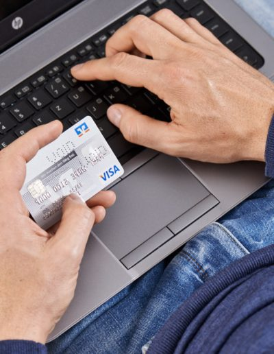 Handmodel Kreditkarte